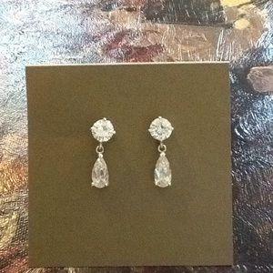 Like New Teardrop Party Wedding Prom Earrings